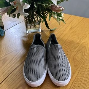 NWOB Michael Kors Gray Leather Brett Slip On Sz 9